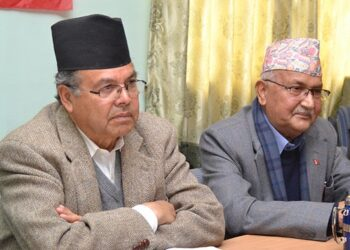 UML Chairperson KP Sharma Oli (centre), former Prime Ministers Jhala Nath Khanal (left) and Madhav Kumar Nepal attending Standing Committee Meeting at Party's office in Dhumbarahi, Kathmandu, on Sunday, February 11, 2018. Photo: RSS